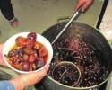 榆林:饭馆辣椒油桶中捞出19颗罂粟壳 涉事饭馆老板被刑拘