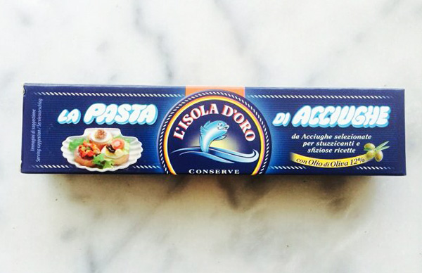 isola-doro-anchovy-paste-600px