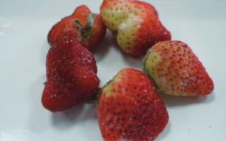 """畸形个大草莓因打了""""膨大剂""""?还原""""食事真相"""""""
