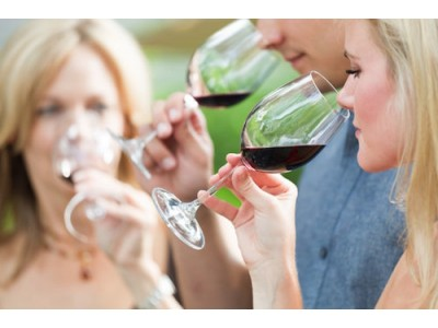 研究发现:感性酒标更能提升消费者好感度