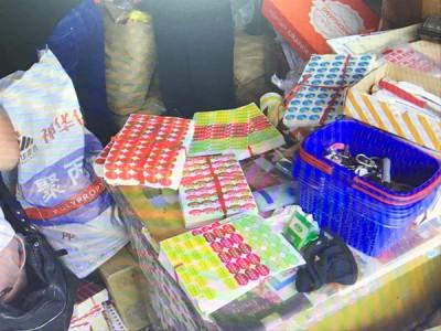 国产水果贴标变洋货,上海查获200余万件假冒进口水果标签
