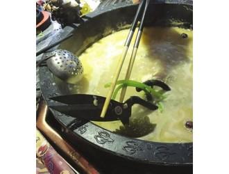 苏州:这火锅怎么捞不动?蹄花锅里面竟藏了一把大剪刀