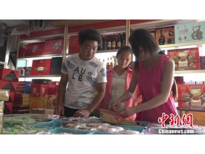 """探访郑州月饼市场:月饼与包装""""冰火两重天"""""""