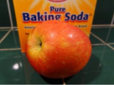 科学家发现去除苹果上残留农药的更好方法