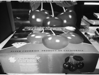 """海口:无中文标签 导购员不知产地 水果穿""""洋马褂""""就真的洋气?"""