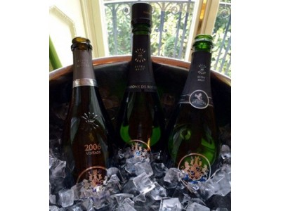 罗斯柴尔德香槟将发售桃红蔻修酒