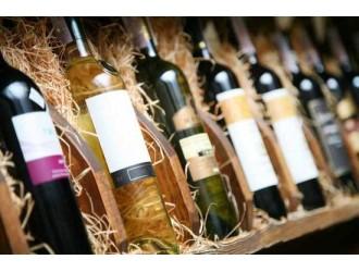 郑州警方破获特大产销伪劣红酒案:查获假酒5万余瓶