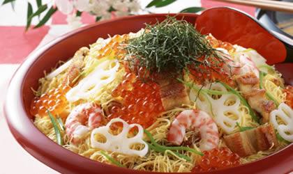 寿司/Temaki Sushi(手卷寿司):是寿司饭配蔬菜或海鲜,用灯箱烤过...