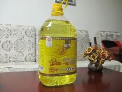 中国后一片黑土地产品5升非转基因福临门色拉油