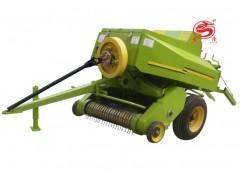 拖拉机带动小麦秸秆方捆捡拾打捆机