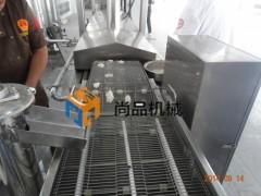 裹糠鳕鱼饼瀑布式撒粉机 网带式油炸流水线 尚品机械
