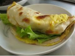 学习鸡蛋灌饼费用-品味轩小吃培训创业指导
