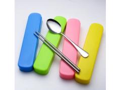 创意便携不锈钢餐具 环保抽拉塑料盒勺筷二件套 广告促销礼品
