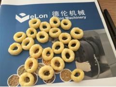 供应甜甜圈膨化设备 膨化食品生产线 双螺杆膨化机