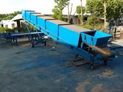 800mm宽平托辊包料输送机  纸箱爬坡机式上料机