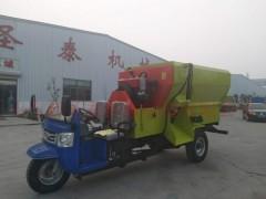 5立方撒料车 移动tmr撒料车 柴油带动喂料车价格