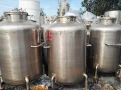 河南转让一批八成新600-1200L二手种子发酵罐