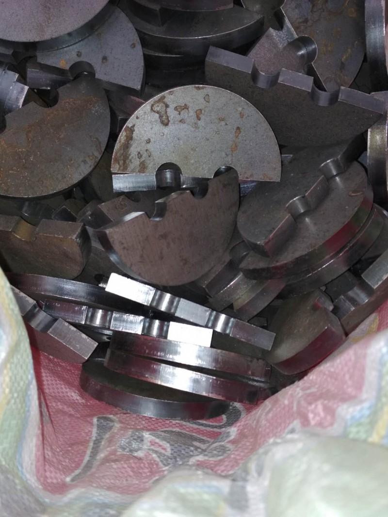盘片有尼龙材质,碳钢材质,不锈钢材质,和增韧尼龙材质1