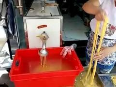 水磨苞米馇条机玉米面条机酸汤子机工艺