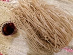 真假红薯粉条粉丝的辨别方法 河南孚生食品粉条厂家内部鉴别方式