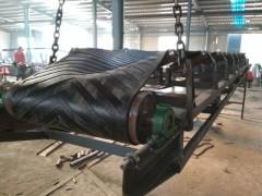 600mm宽带挡边槽型运输机 木屑混合物皮带输送机