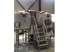 1吨小型精酿啤酒厂酿酒设备厂家,原浆啤酒设备厂家免费安装