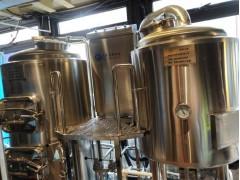 史密力维精酿啤酒设备厂家啤酒设备免费安装调试供应酿酒原料