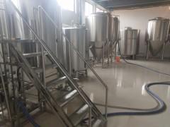 投资小型啤酒厂可以酿制几种啤酒需要选择多大的自酿啤酒设备